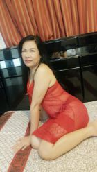 Petite escort Bahrain (weight: 53 kg; height: 165 cm)